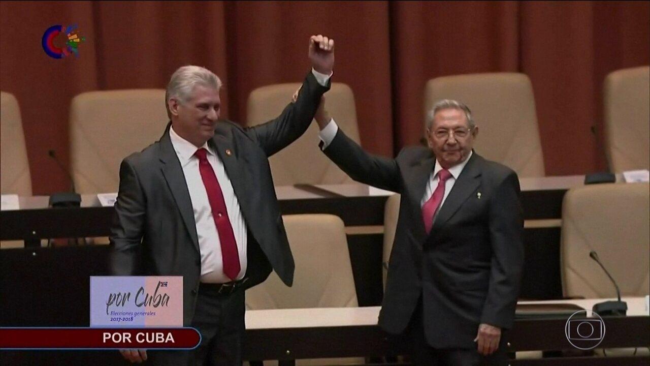 Díaz-Canel é confirmado presidente de Cuba e promete continuidade