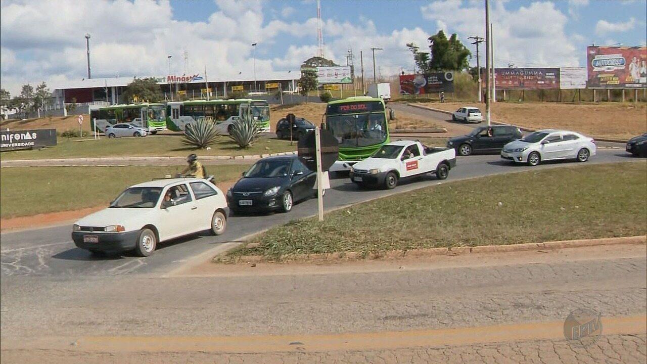 Prefeitura e governo de MG assinam contrato para reforma do trevo da BR-491, em Alfenas
