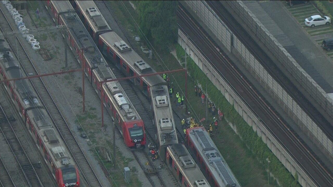 Trem da CPTM descarrila na zona oeste de São Paulo