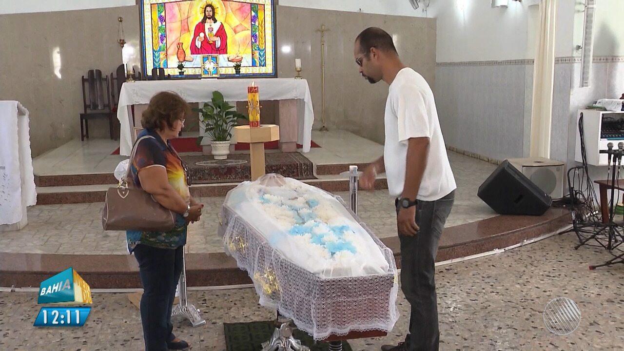 Após mais de um mês em hospital, morre padre atacado a facadas em Feira de Santana