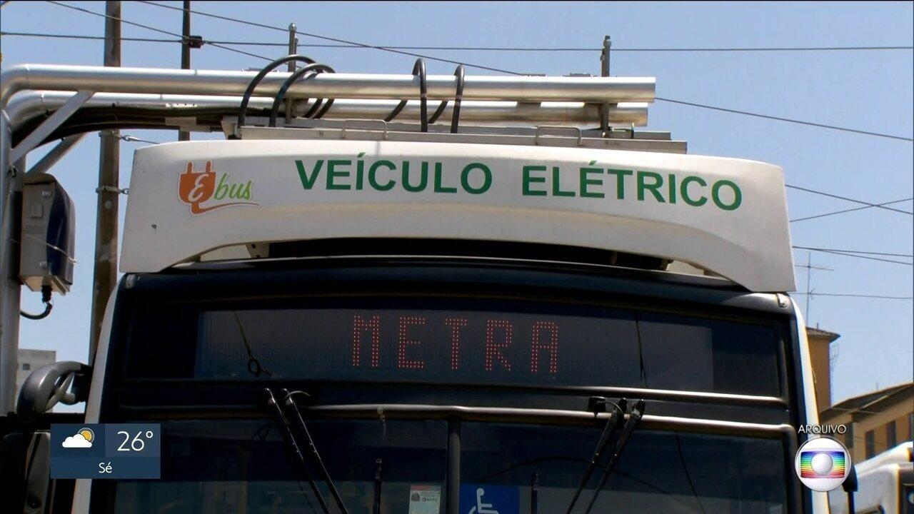 Novo edital dá prazo de 20 anos para empresas reduzirem emissão de poluentes dos ônibus