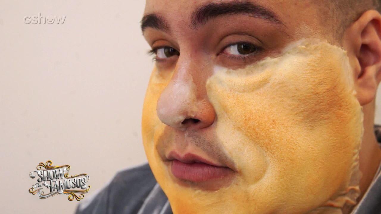 Veja como foi a preparação de Tiago Abravanel para interpretar Elton John