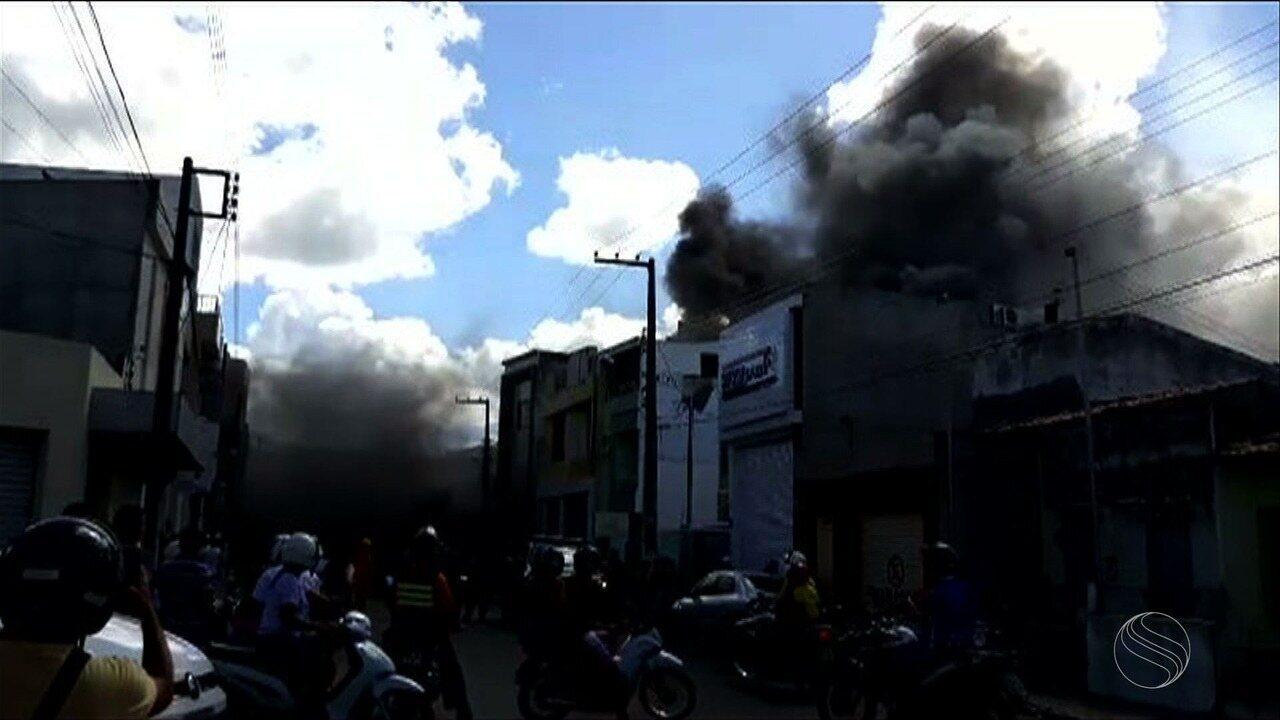 Incêndio atinge estabelecimento comercial de Itabaiana
