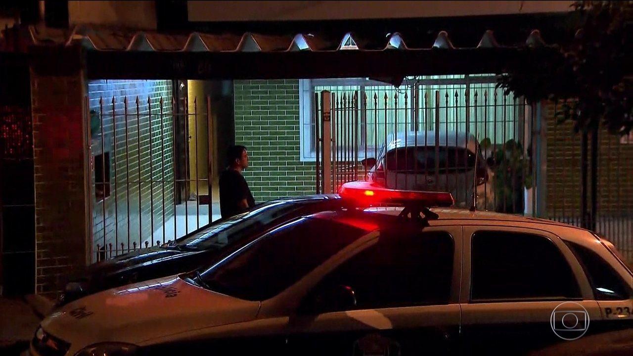 Polícia Civil faz operação na casa de treinador de ginástica acusado de abuso sexual
