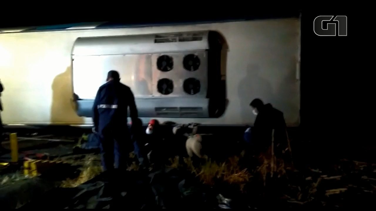 Nove pessoas morrem em acidente
