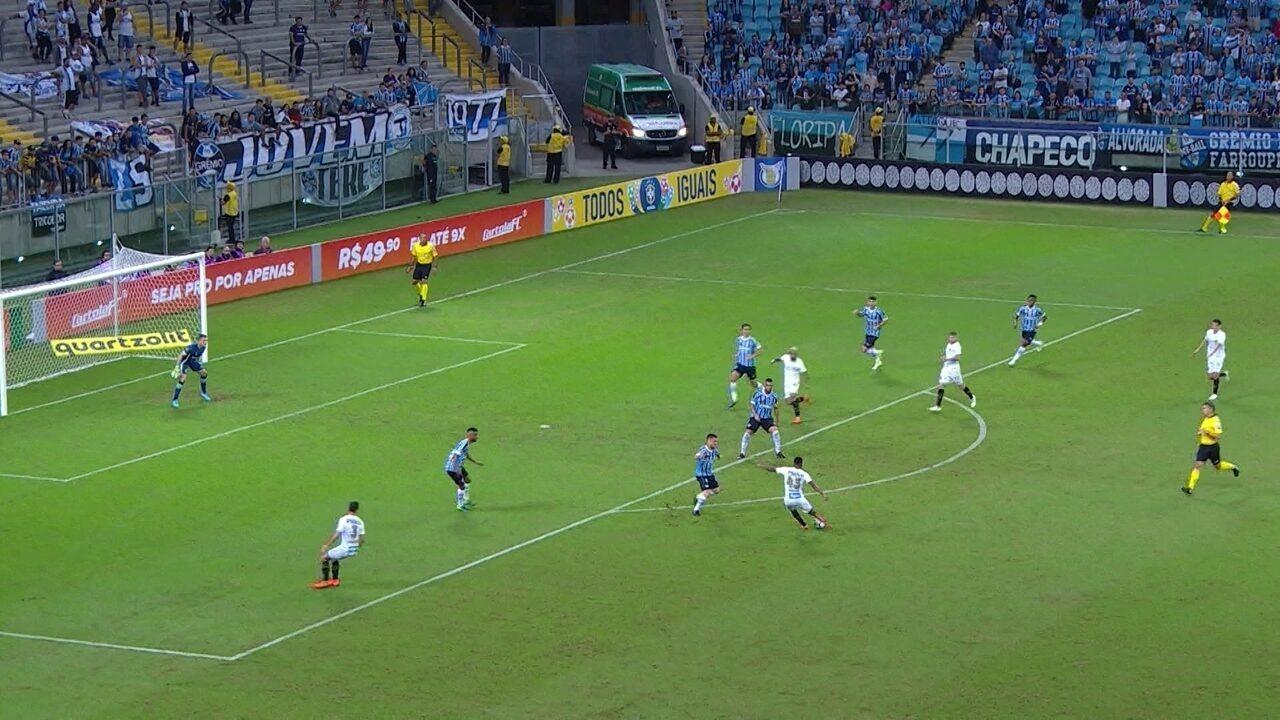 Primeira finalização do Santos saiu aos 13 minutos da etapa inicial
