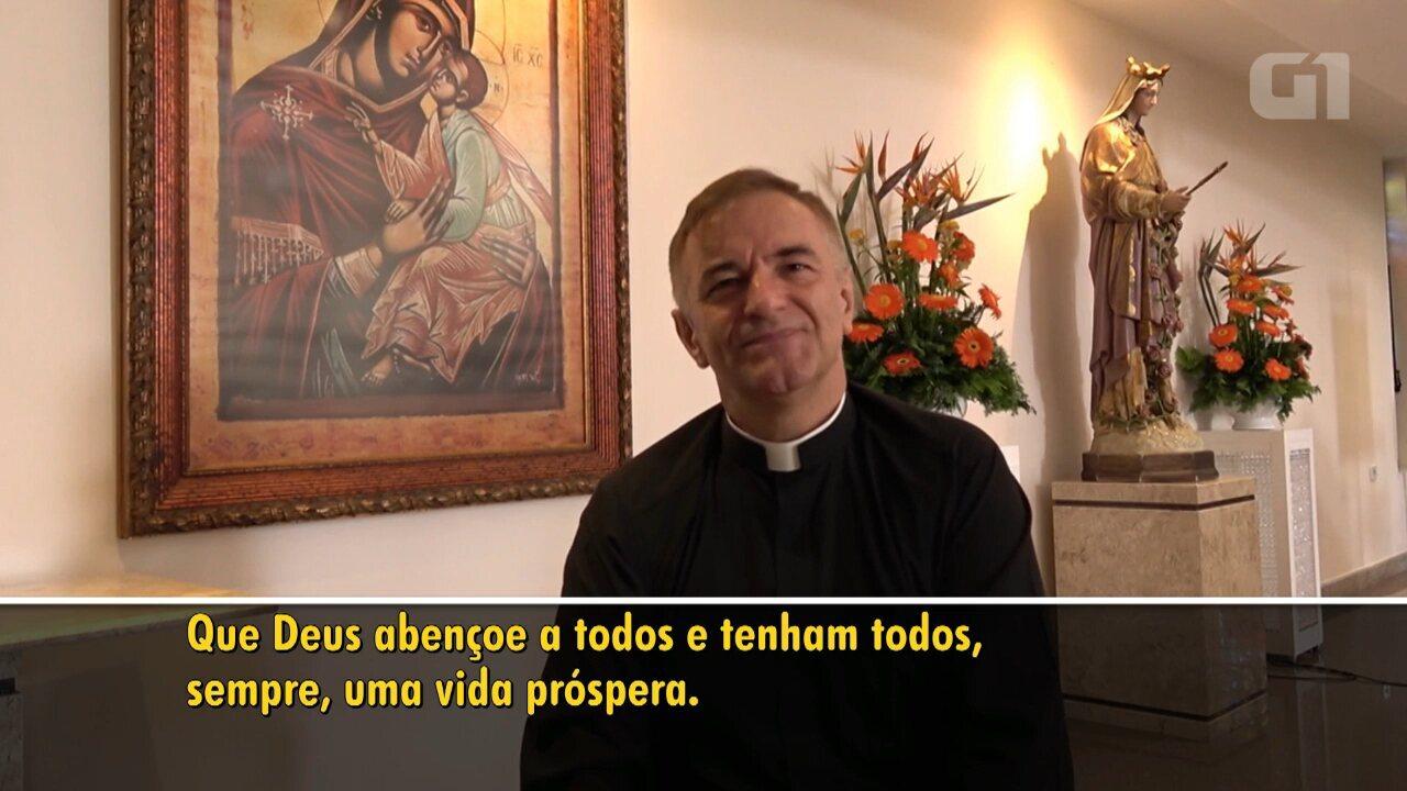Padre surdo celebra missas em Libras e trabalha para a inclusão no Paraná