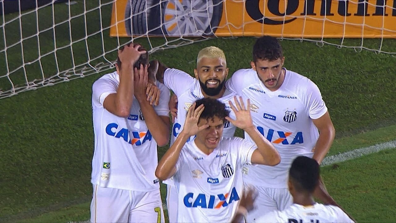 Gol do Santos! Gabriel aproveita o rebote e amplia aos 17 do 2º tempo
