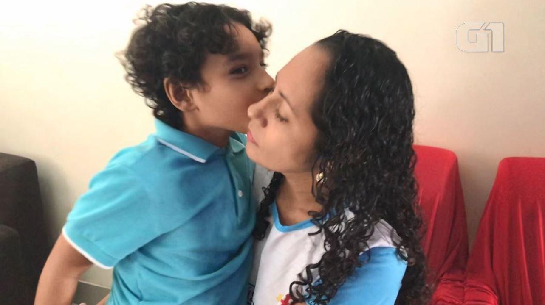 Resultado de imagem para Renúncia em nome do amor: a luta de mães que deixaram tudo para cuidar de filhos especiais