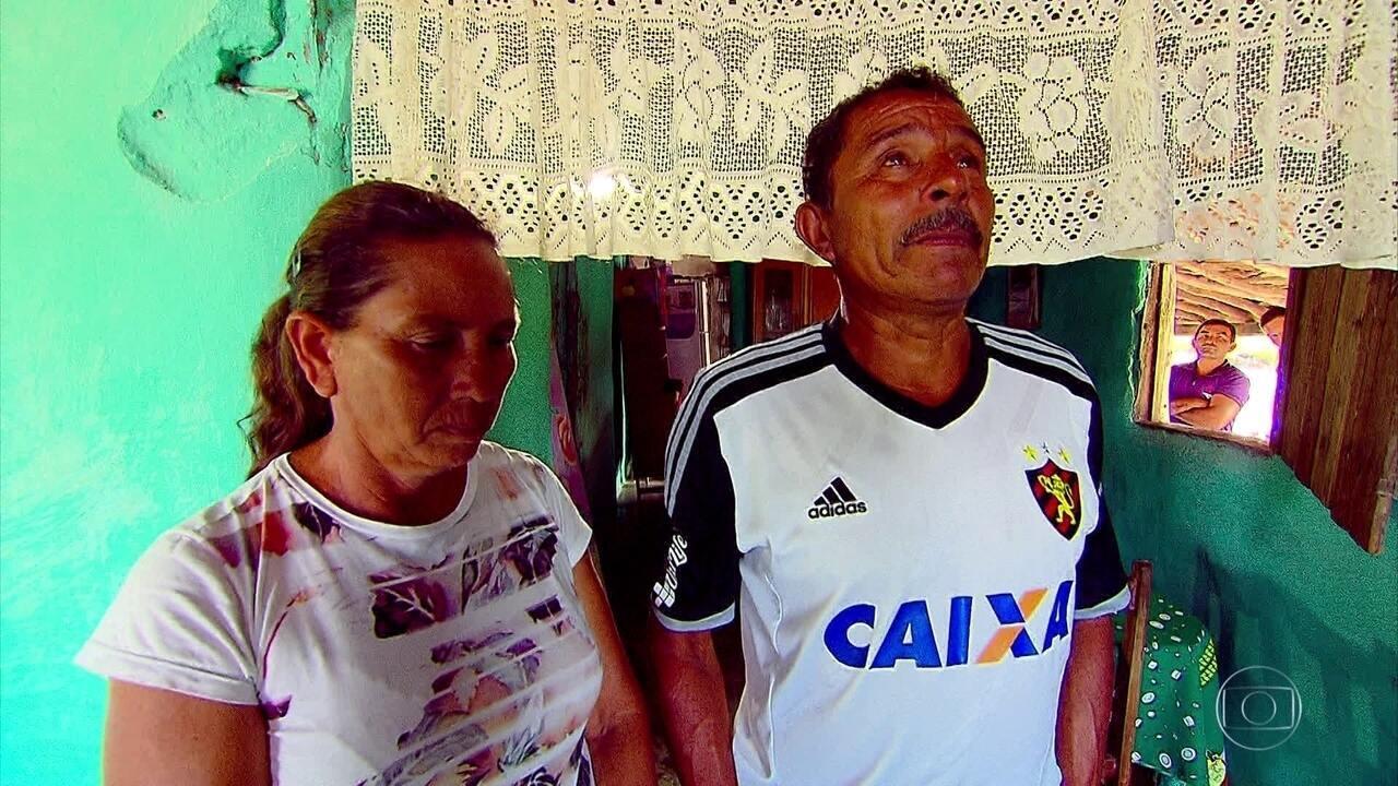 Goleiro Maílson sonha em dar uma casa para os pais, que moram no interior de Alagoas