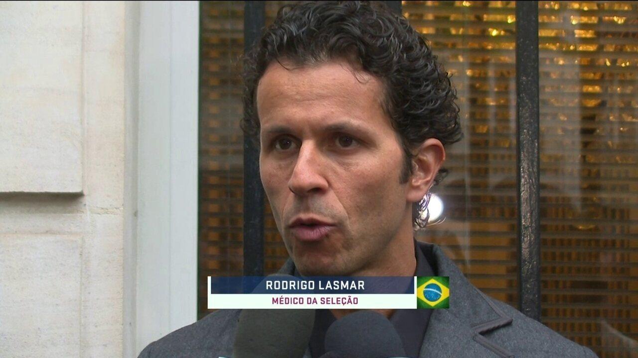 Médico da Seleção confirma liberação de Neymar para treinar no campo