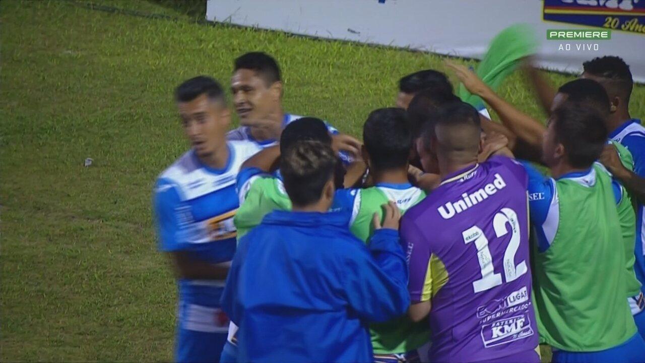 Diogo Oliveira marca o gol da vitória do São Bento sobre o Oeste