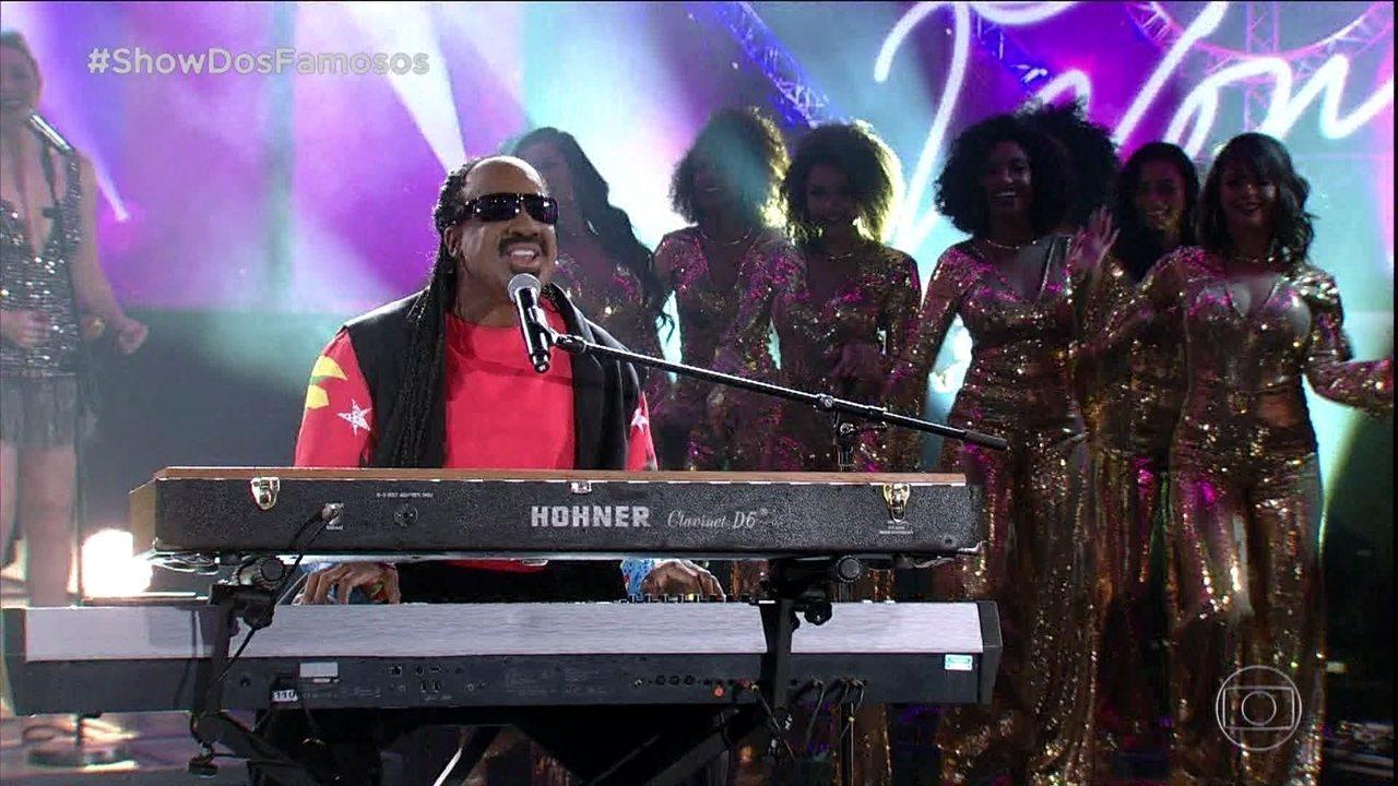 Mumuzinho homenageia Stevie Wonder no Show dos Famosos