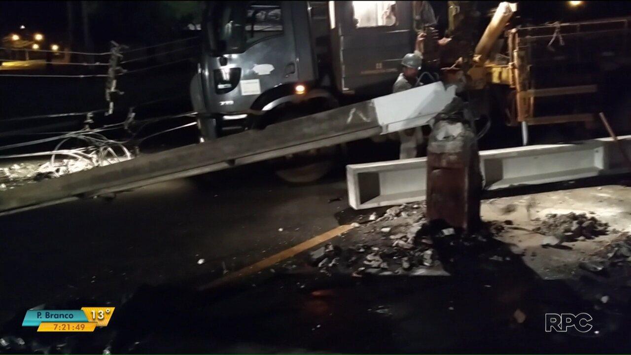 Acidente deixa uma pessoa morta em Londrina  parte da zona oeste da cidade  fica sem dbf3b45c108