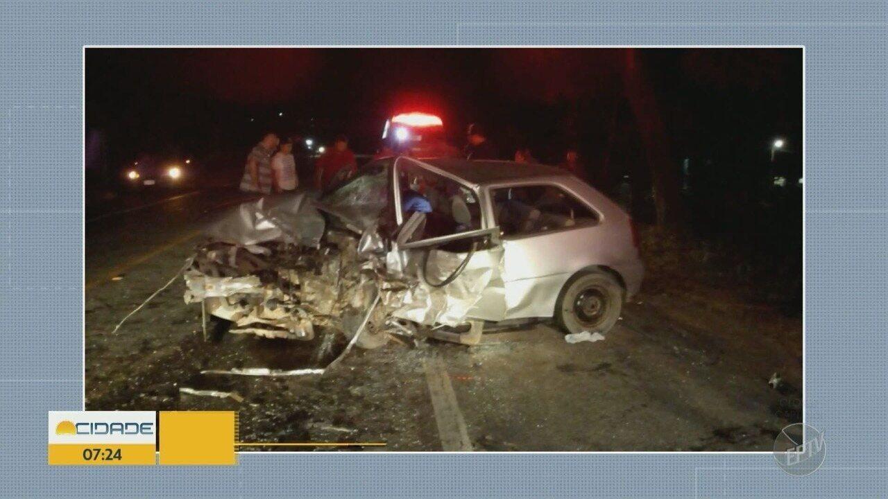 Três ficam feridos após acidente em rodovia de Socorro (SP).