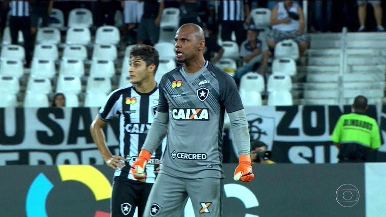 Jefferson pode se tornar o terceiro jogador que mais vestiu a camisa do Botafogo