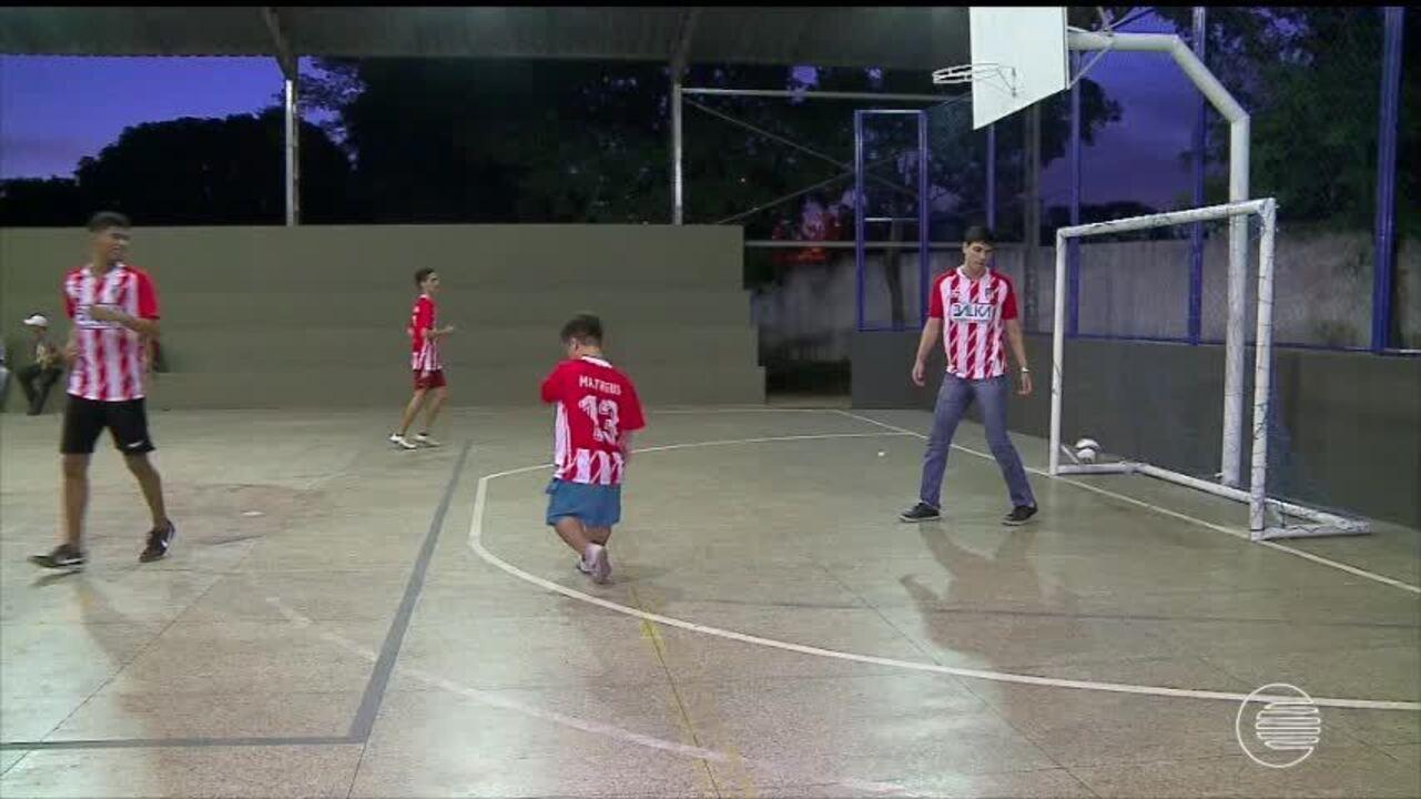 Atleta com nanismo se destaca no futsal e supera obstáculos e limitações 64ac7811955ce