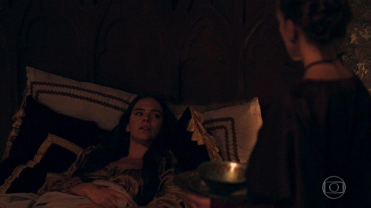 Catarina planeja ditar uma carta para ser entregue a Augusto