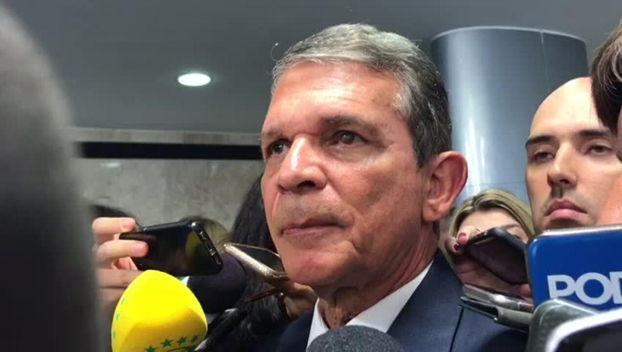 O ministro da Defesa, general Silva e Luna, comentou documentos da CIA sobre a ditadura