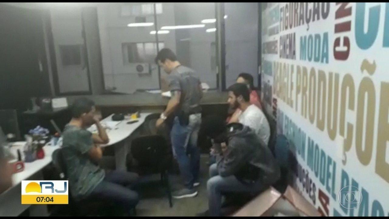 Polícia descobre golpe do falso empreso durante confusão em escritório