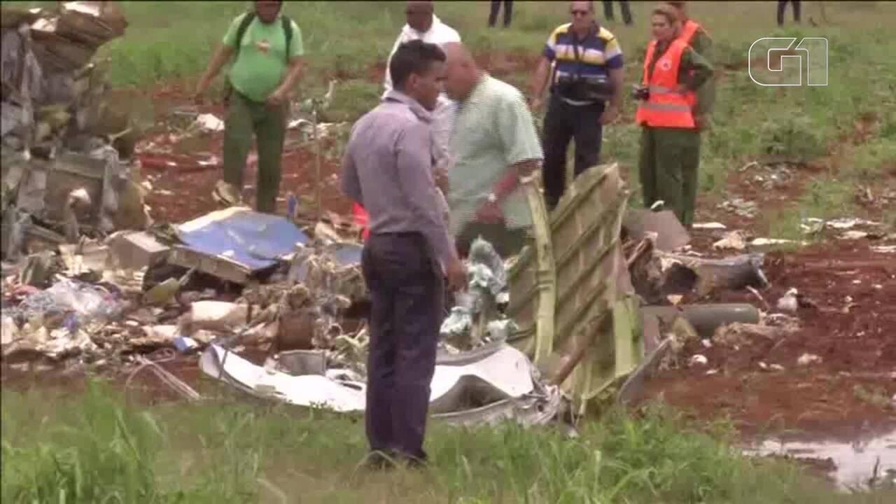 Avião com mais de 100 pessoas a bordo cai logo após decolar do aeroporto de Havana
