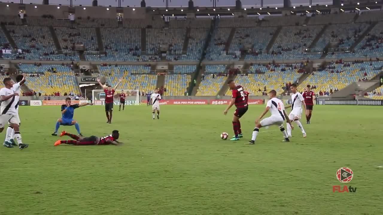 Pepê marca e Flamengo garante o título carioca sub-20