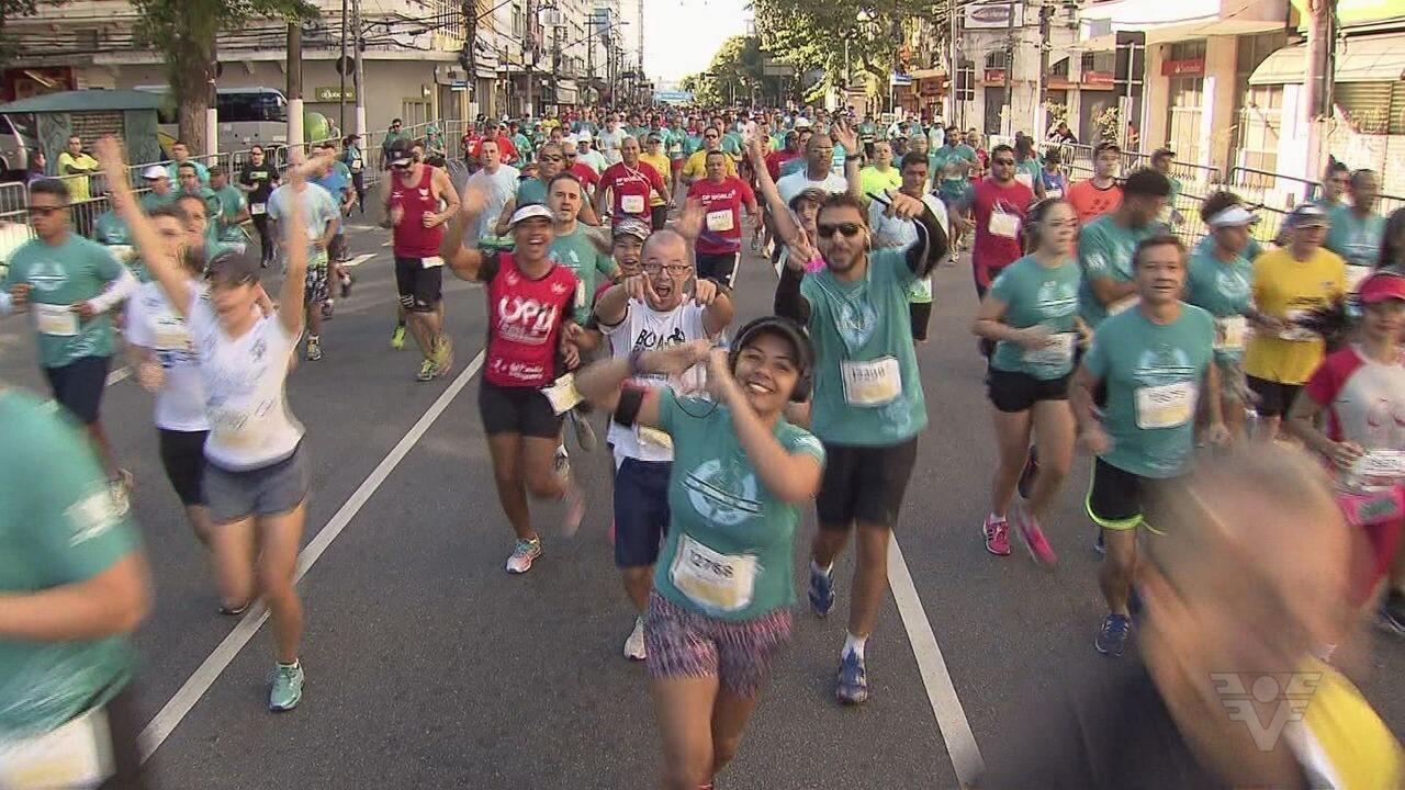 Milhares de corredores participaram dos 10 km Tribuna FM