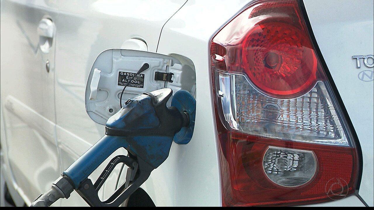 Caminhoneiros mantém protesto por causa da alta do diesel