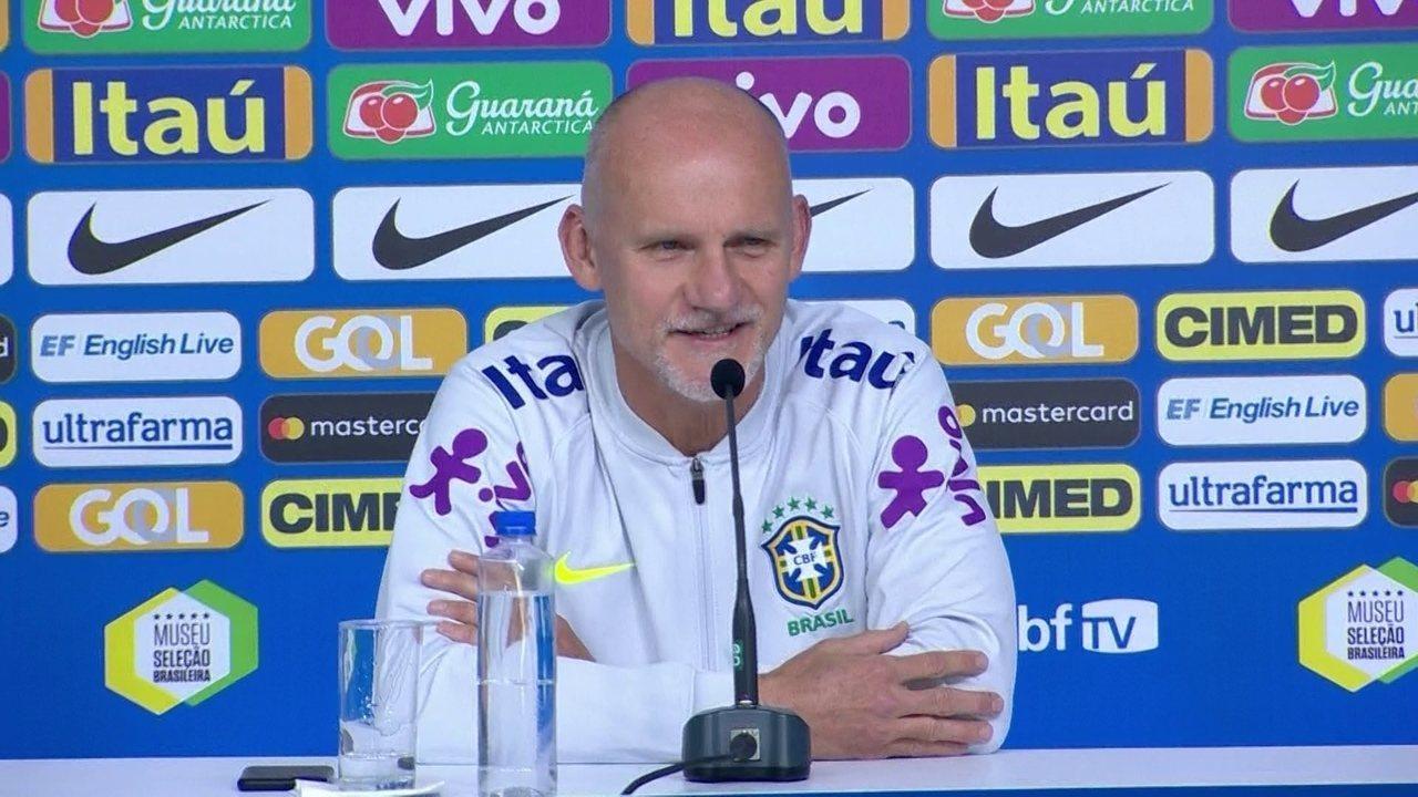 Taffarel é questionado sobre a presença de goleiros novatos em Copa