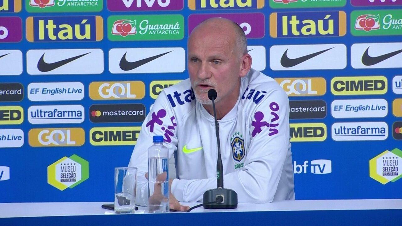 Taffarel é questionado sobre o goleiro Vanderlei, do Santos
