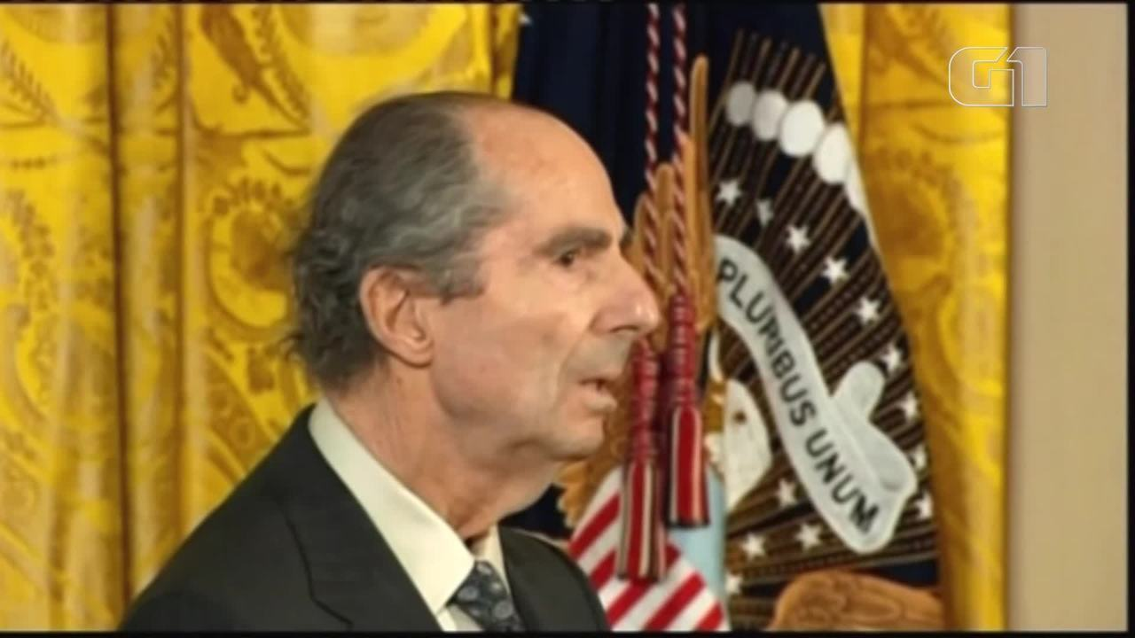 Barack Obama, então presidente do EUA, homenageou Philip Roth com medalha em 2010
