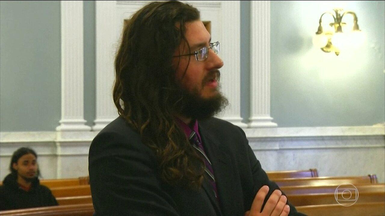 Nos Estados Unidos, casal entra na Justiça para que filho de 30 anos saía de casa