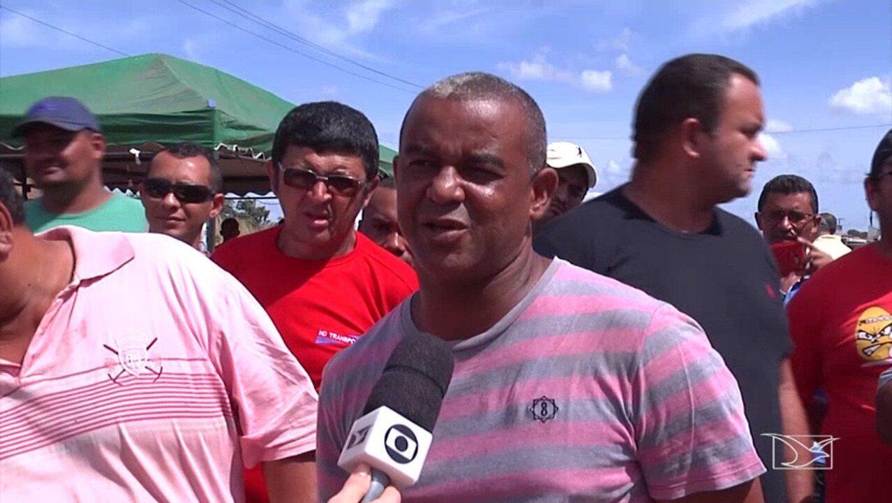 Caminhoneiros protestam por aumento do óleo diesel no sul do Estado