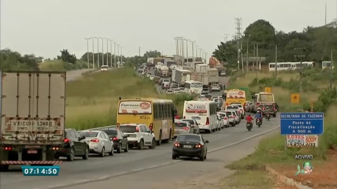 Resultado de imagem para Caminhoneiros ampliaram os bloqueios nas rodovias federais do Ceará neste quarto dia de paralisação
