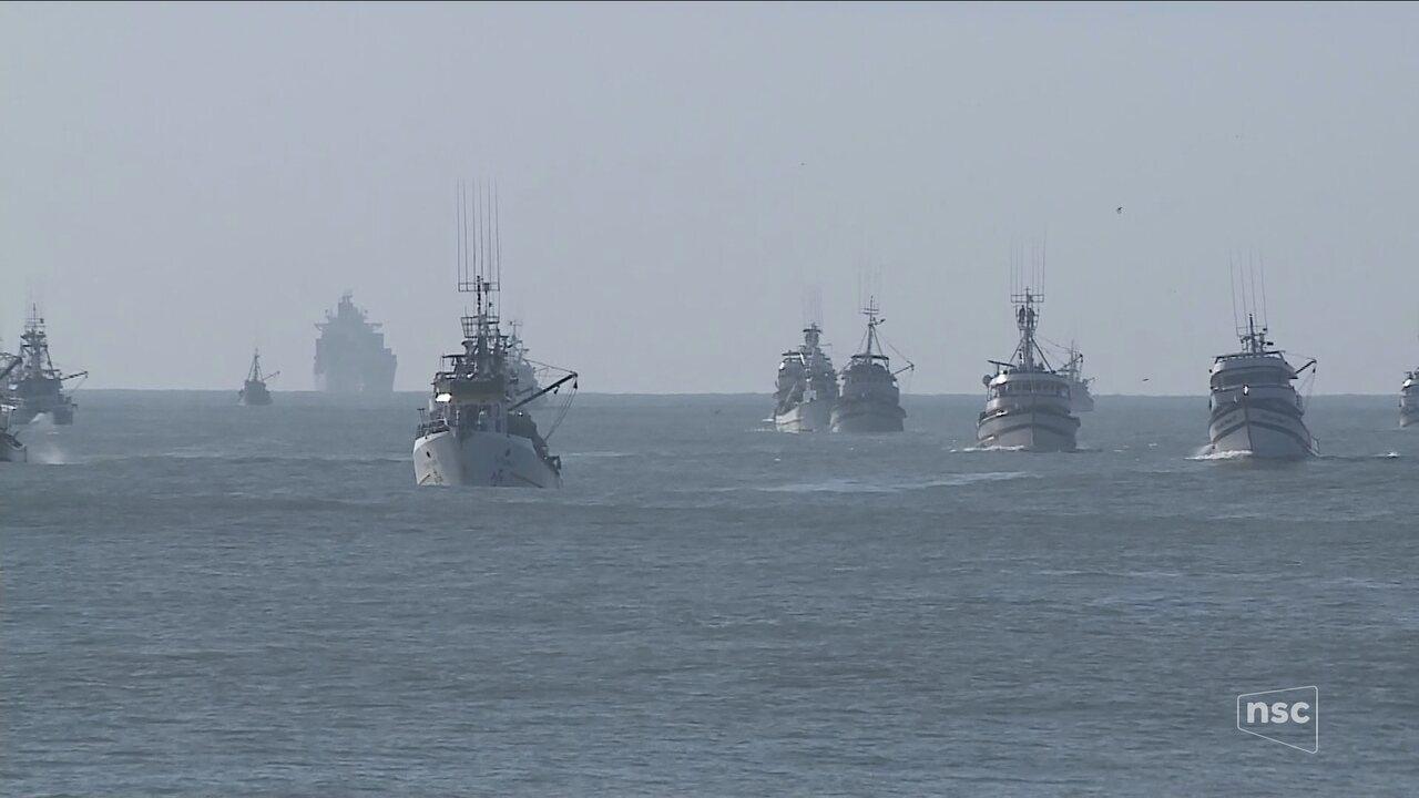 Cerca de 70 embarcações aderem a paralisação dos caminhoneiros em Itajaí