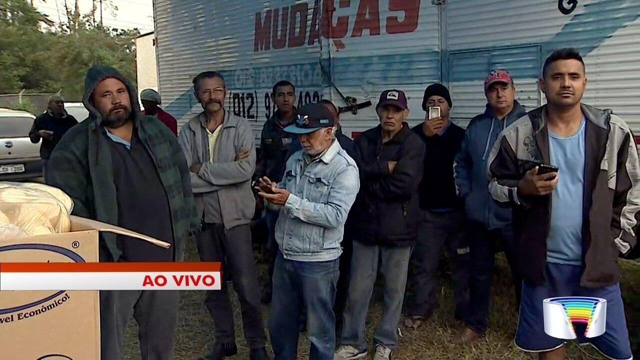 Caminhoneiros mantêm paralisação pelo 5° dia no trecho do Vale do Paraíba