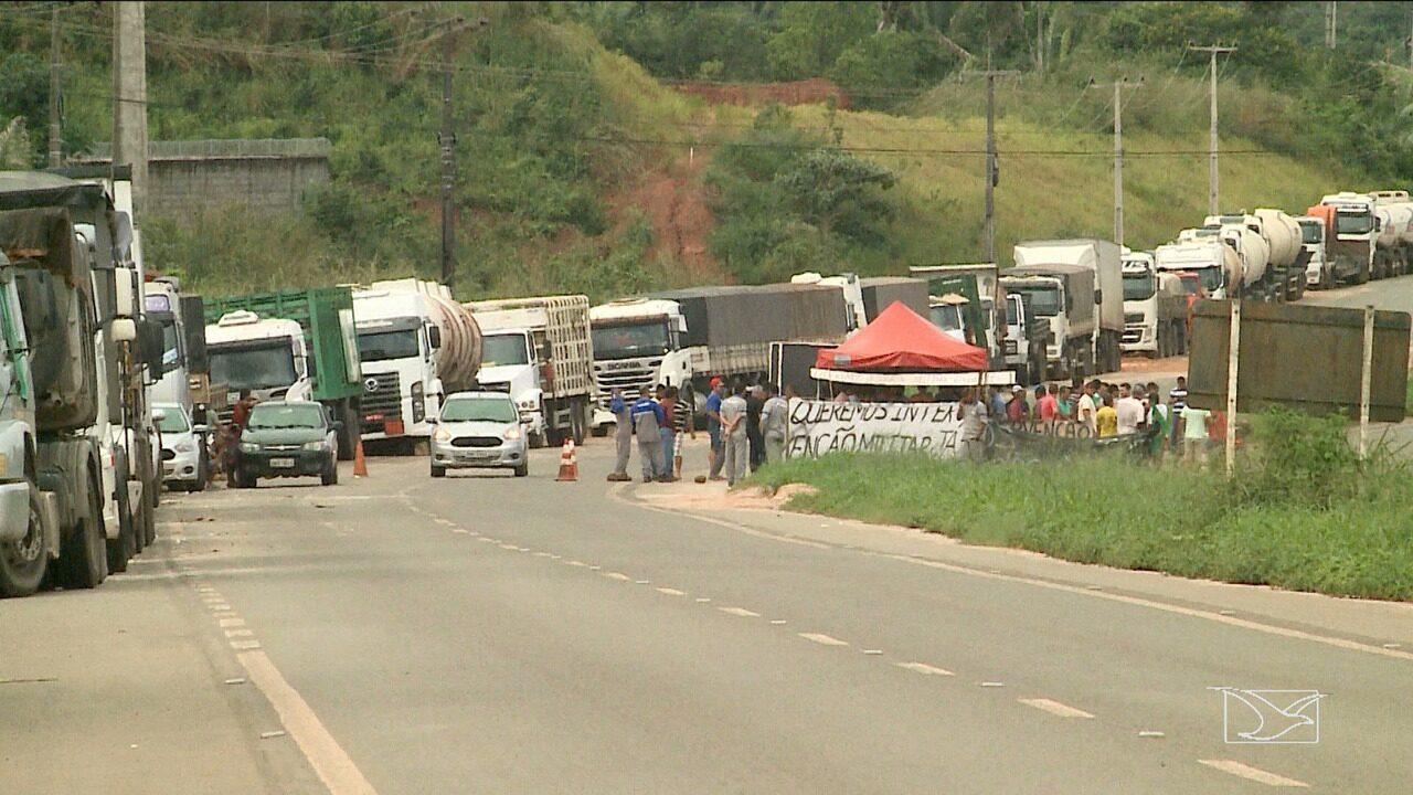 Associação dos caminhoneiros mantém paralisação no Maranhão