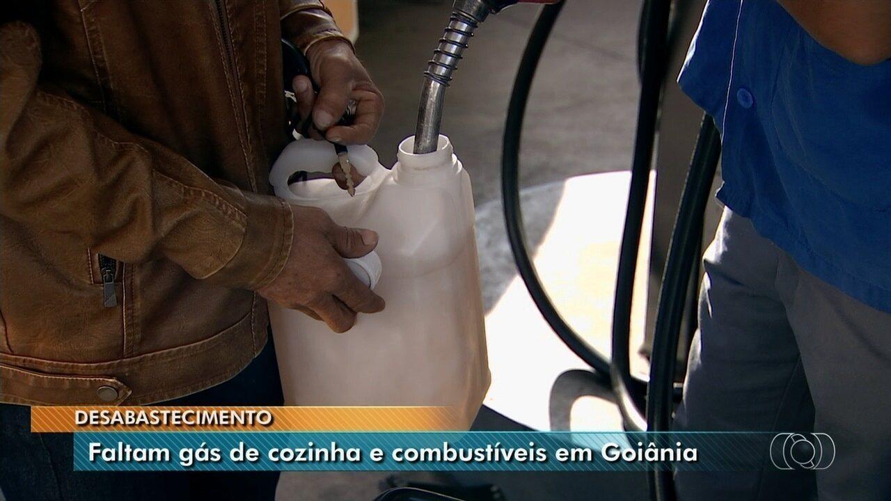 Moradores reclamam de falta de gás e combustível em Goiânia