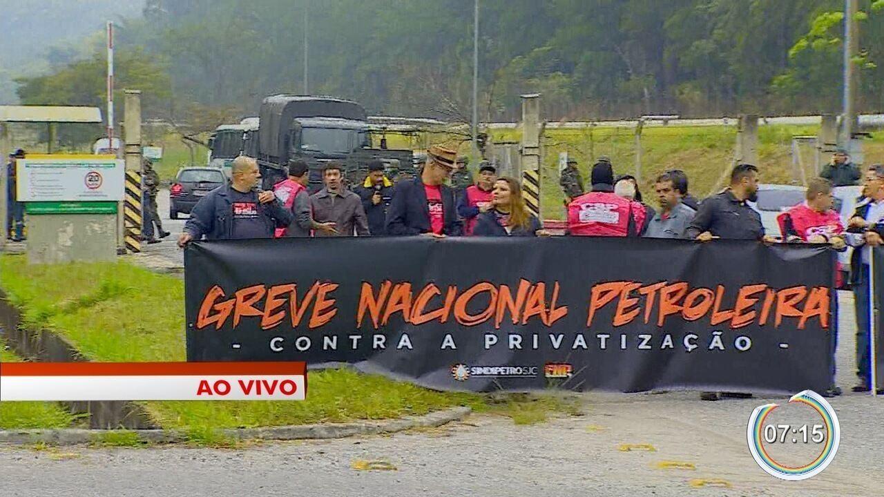 Petroleiros anunciam greve na Revap em São José dos Campos
