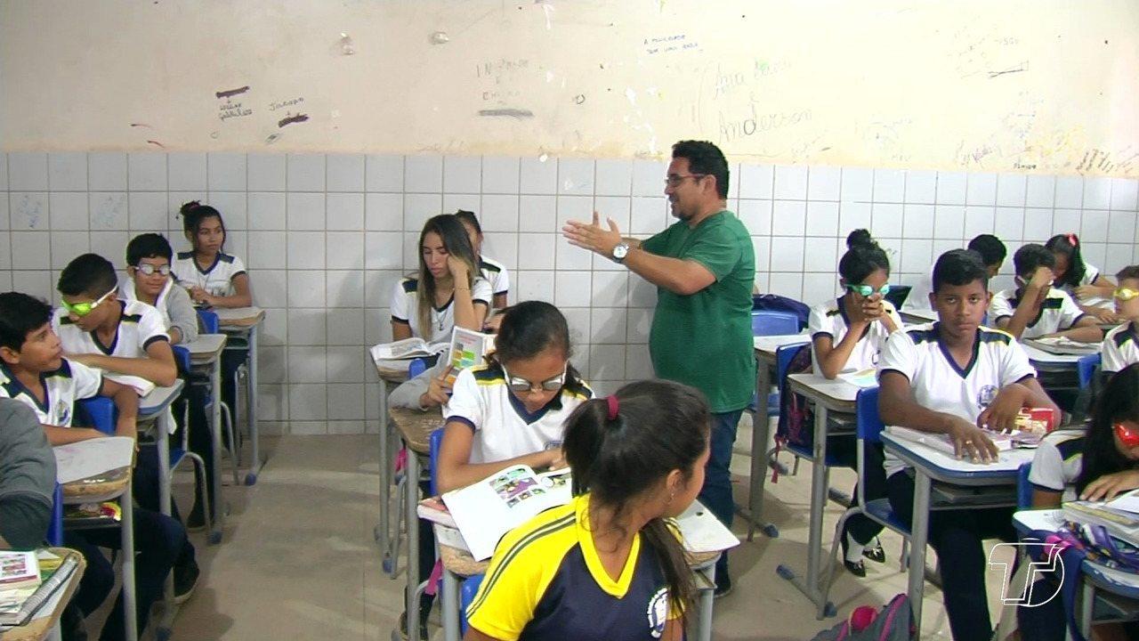 Resultado de imagem para Ações são desenvolvidas em escola para incentivar o respeito aos deficientes visuais