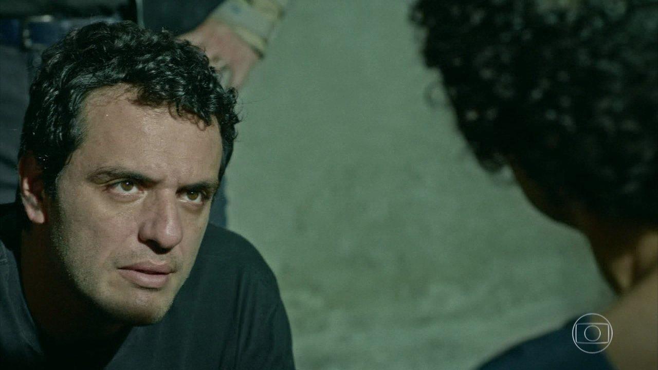 Adriano tenta solucionar sequestro da filha de um juiz corregedor