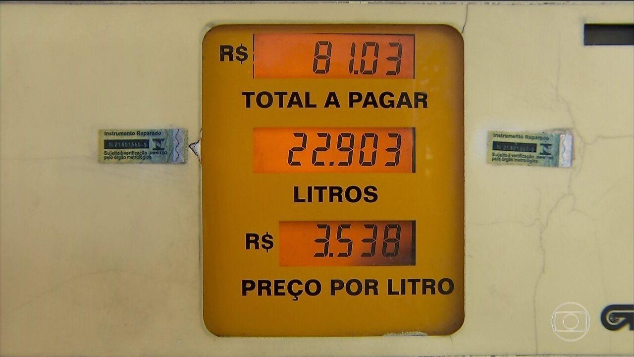 Postos de SP já vendem diesel com redução de R$ 0,46