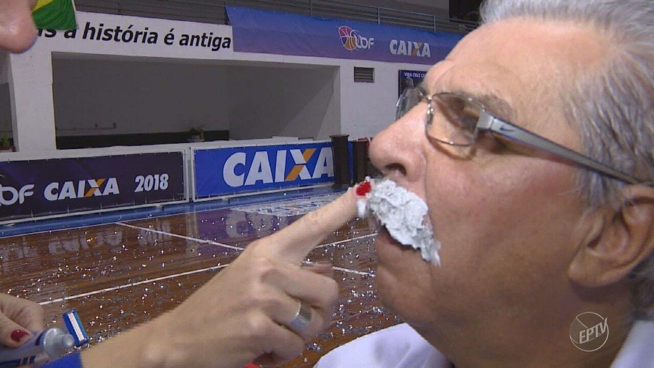 Técnico Vendramini tira o bigode após título do Campinas na Liga Nacional de Basquete
