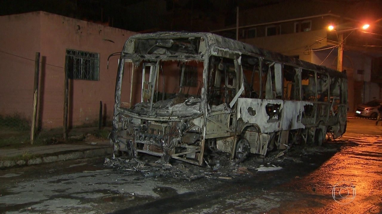 Minas Gerais tem mais ônibus incendiados no 4º dia de ataques no estado