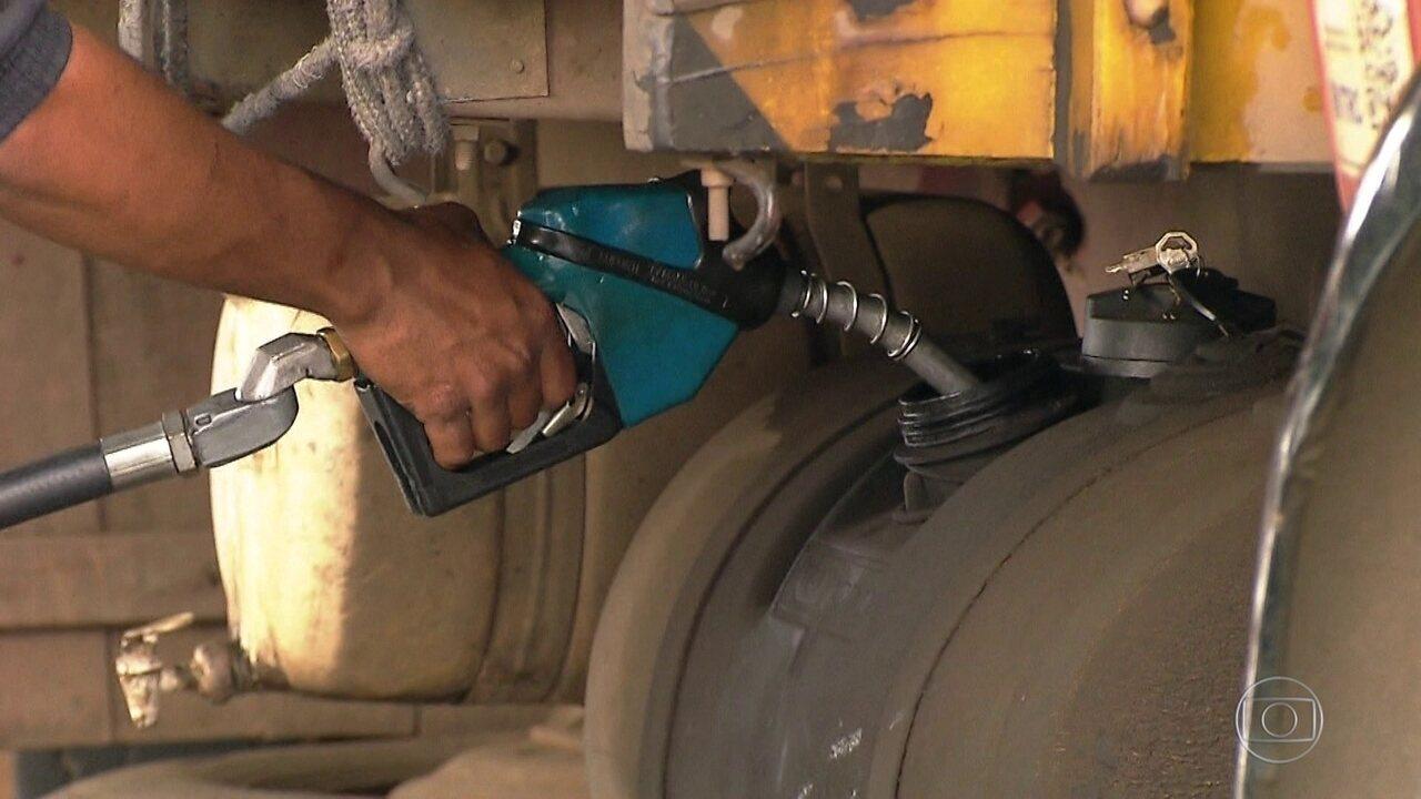 Postos têm que exibir preço do diesel antes e depois da greve