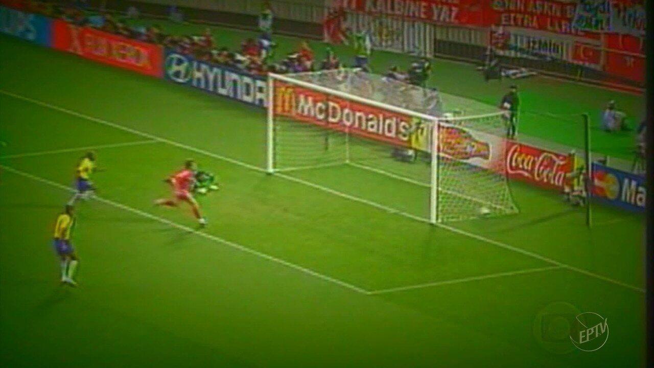 e8d647d5a8 Luis Fabiano remói derrota na Copa de 2010