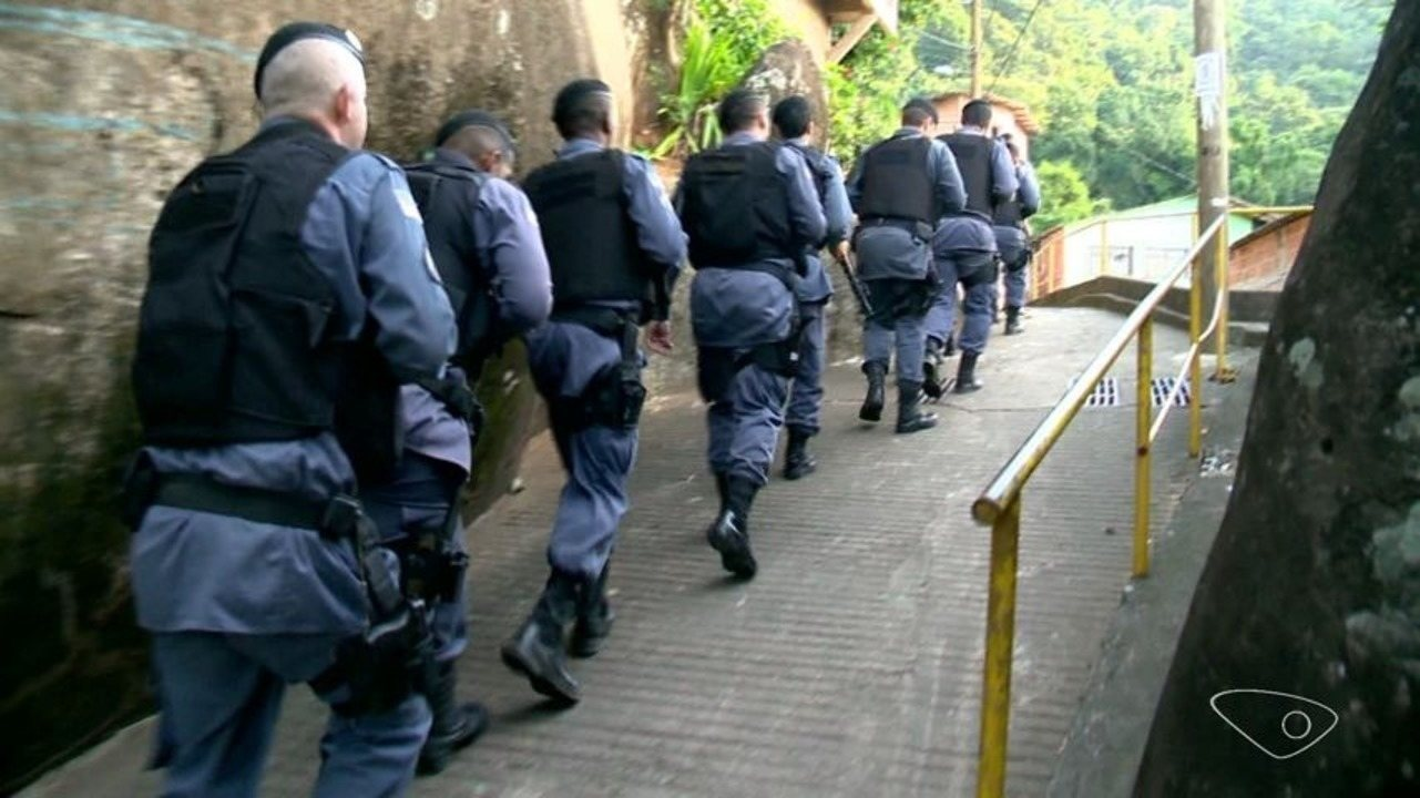 Disputa pelo tráfico obriga famílias a abandonarem comunidade em Vitória