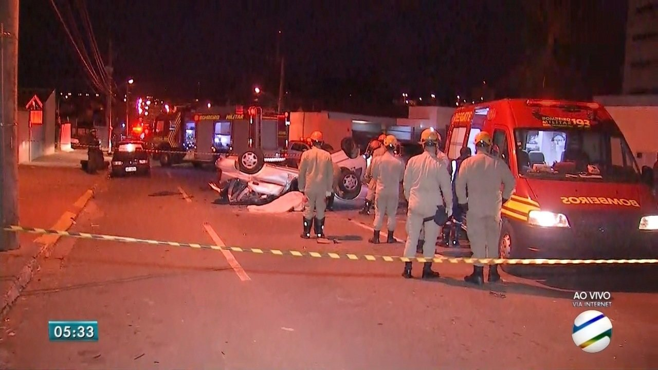 Casal morre e motorista fica gravemente ferido em acidente em Campo Grande