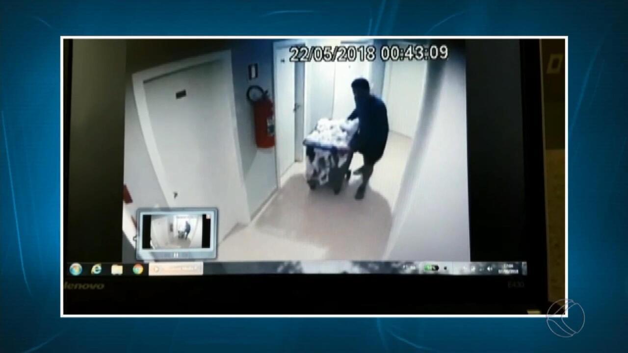 Vídeo mostra ações de homem suspeito de feminicídio da esposa após o crime em Juiz de Fora
