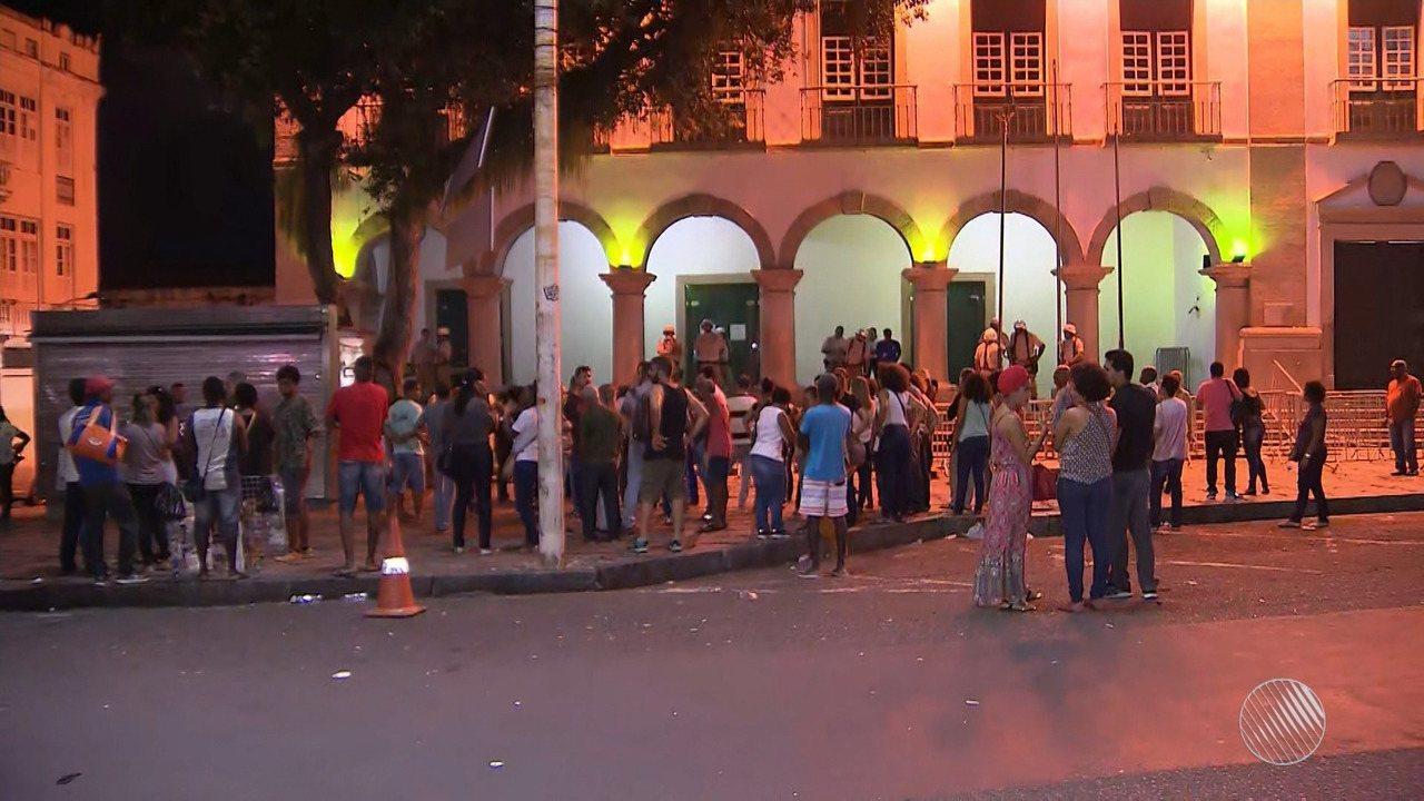 Servidores municipais realizam protesto contra lei aprovada na Câmara